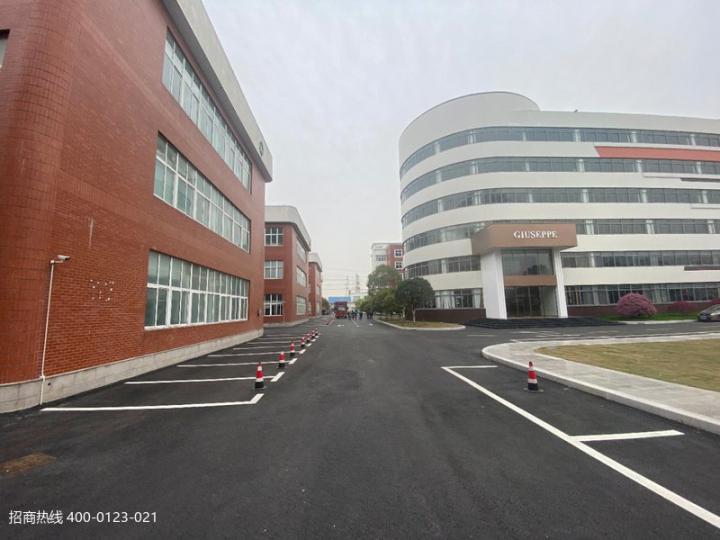 闵行吴泾大房东独栋三层2400平方,可分层租,精装办公室小面积出租