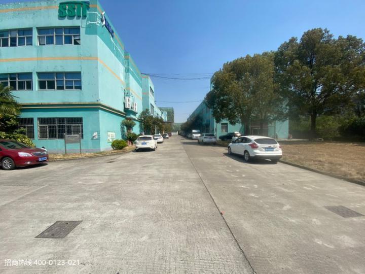 闵行莘庄工业区新空出厂房仓库出租一楼270平方,500平,二楼80平,200平300平方