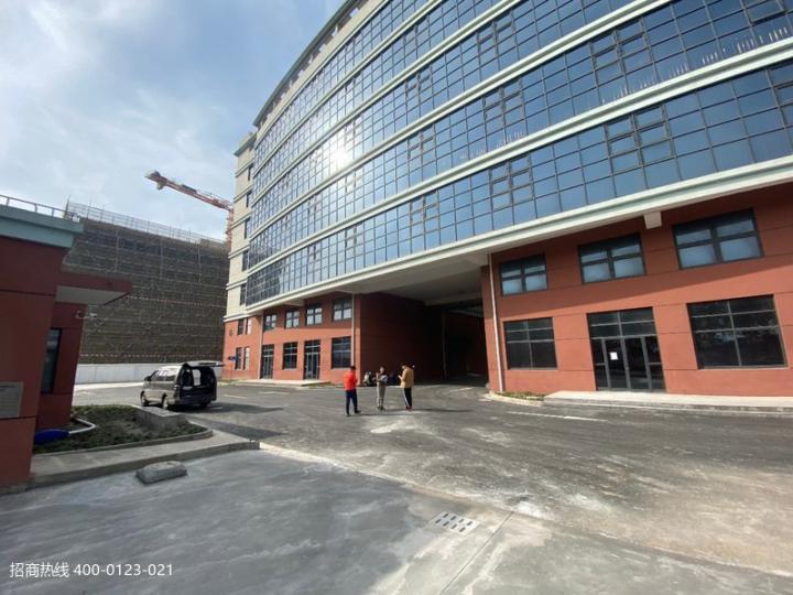 w005 松江新桥大房东直租无公摊厂房仓库出租,一楼仅剩800平方,二楼500平,900平
